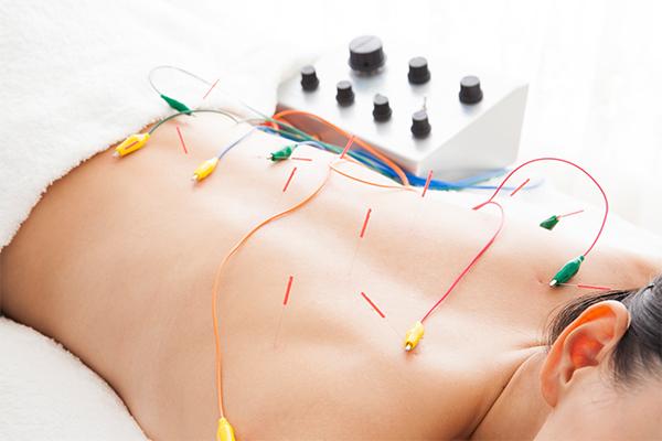 パルス治療機器を使用する治療